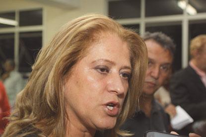 Candidata, Regina Gonçalves é hostilizada e ameaçada em grupo de WhatsApp