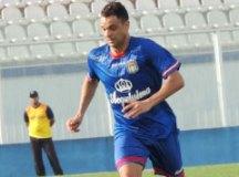 Acostumado a clássicos, Paulinho Santos vê partida especial contra o Ramalhão
