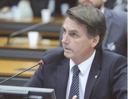 Bolsonaro lidera e três empatam em segundo, mostra Ibope