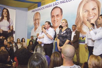 Carla Morando e Marcelo Lima inauguram comitê central