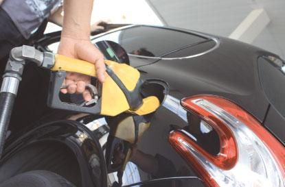 Preço da gasolina cai nas refinarias, mas segue em alta nos postos do ABC
