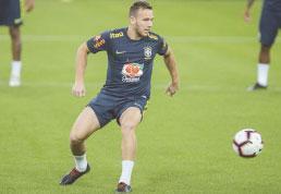 Contra Argentina, Tite esboça time para Copa América