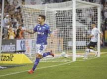 Arrascaeta comemora o segundo gol cruzeirense em Itaquera. Foto: Ale Frata/Codigo19/Folhapress