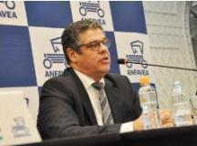 Venda de veículos cai 14% em setembro ante agosto, mas Anfavea eleva projeção para 2018
