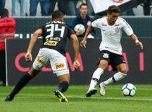 O Corinthians, de Pedrinho, manteve o tabu contra o São Paulo, de Bruno Alves. Foto: Foto: Rodrigo Gazzanel / Agência Corinthians