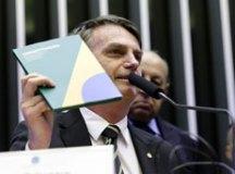 Bolsonaro esteve no Congresso para a comemoração dos 30 anos da Constituição. Foto: Cleia Viana Câmara dos Deputados