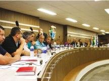 Vereadores da base e da oposição corroboraram com questionamentos dos manifestantes. Foto: Arquivo