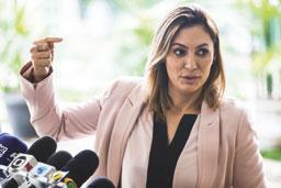Marcela Temer apresenta Alvorada a Michelle Bolsonaro