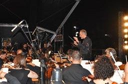 Sábado é dia Espetáculo de Natal, com participação da Orquestra Sinfônica de Santo André e fogos silenciosos