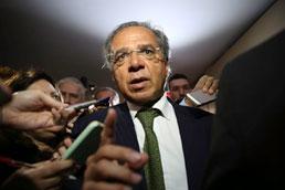 Guedes defende 'meter a faca no Sistema S' e cortar 50% dos repasses