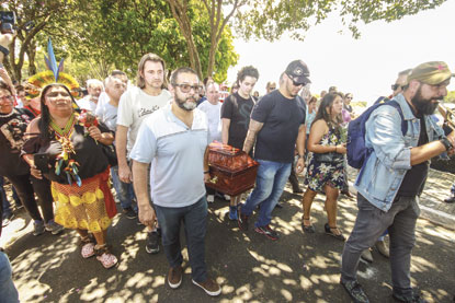 STF autoriza viagem de Lula minutos antes de enterro do irmão; aliados reforçam tese de perseguição