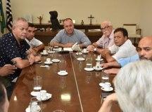 Reunião teve como pauta projetos para o desenvolvimento do município. Foto: Mariana Rodrigues/PMETRP
