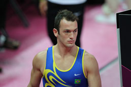 Medalhista olímpico, Diego Hypólito diz estar há sete meses sem receber salário