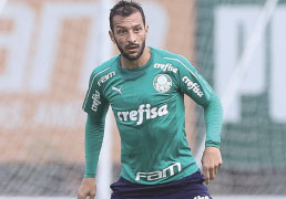 Scolari troca formação, e Palmeiras empata em jogo-treino com o Audax na Academia