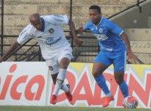 Azulão sai na frente com frango bizarro, mas cede empate ao São Bento