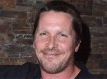Christian Bale agradece 'Satã' pela 'inspiração' para interpretar Dick Cheney