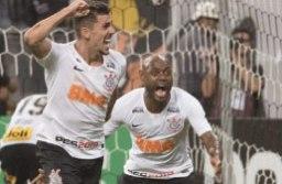 Danilo Avelar (esq.) fez o gol de empate do Corinthians na arena de Itaquera. Foto: Daniel Augusto Jr./Agência Corinthians