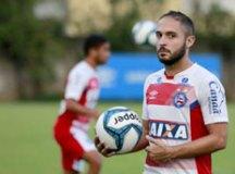 Corinthians acerta contratação do meia Régis, do Bahia