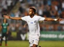 Rodrygo comemora o primeiro gol com a camisa do Santos nesta temporada. Foto: Ivan Storti/Santos FC