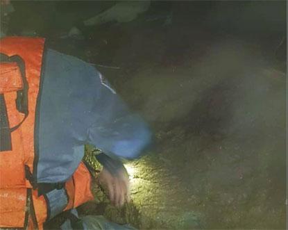 Corpos de duas crianças mortas em deslizamentos de terra em Mauá são enterrados