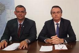 Pressionado, Bolsonaro defende reforma da Previdência
