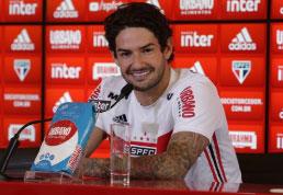 Apresentado, Alexandre Pato diz que sua escolha pelo São Paulo foi 'por amor'