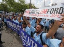 Trabalhadores defenderam boicote aos produtos da Ford. Foto: Adonis Guerra/SMABC