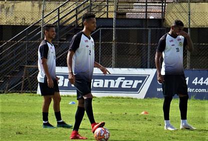São Bernardo tem várias dúvidas para 'decisão' contra o Penapolense