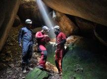 Especialistas em mapeamento e documentação de cavidades subterrâneas atualizam medições da gruta ribeirão-pirense, catalogada nos anos 80. Foto: Gabriel Mazzo/ PMETRP