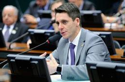 Alex Manente assume Frente Parlamentar da Química