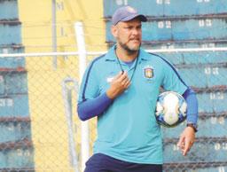 'Agora, todo jogo passa a ser decisivo', diz técnico do Azulão