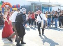 """""""Shopping D nas Arábias"""": Evento na zona norte de São Paulo reúne refugiados e valoriza a arte da dança e da gastronomia"""