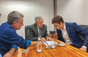 Thiago Auricchio questiona Sabesp sobre qualidade da água no ABC