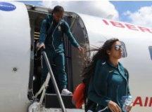 Após derrota para Austrália, seleção feminina desembarca em Lille e faz treino regenerativo