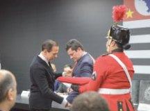 Doria entregou medalha da ordem do Ipiranga a Moro. Foto: Governo do Estado de SP