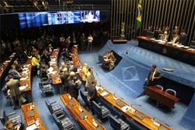 Senado aprova revogação de decreto que flexibiliza acesso a armas