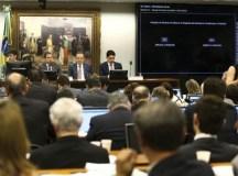 O texto-base da proposta foi aprovado na tarde de ontem (4) por 36 votos a favor e 13 contra. Foto: Marcelo Camargo/Agência Brasil
