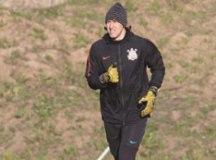Pensando no Palmeiras, Corinthians visita Wanderers