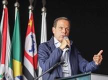 Doria lamenta decisão da executiva de manter Aécio Neves no PSDB
