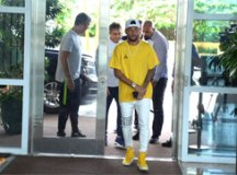 Com janela fechada, Neymar fica no PSG e terá de reconquistar o clube