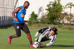 Danilo Avelar e Manoel devem reforçar Corinthians contra o Del Valle