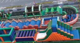 São Bernardo Plaza recebe circuito radical de brinquedos infláveis