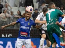 Boselli marca nos acréscimos, e Corinthians empata com o Santo André