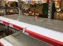 Com corrida às compras, supermercados têm redução de produtos nas prateleiras