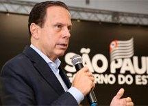 Presos confeccionarão 320 mil máscaras de proteção contra coronavírus, diz Doria