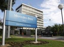 Trabalhadores da Mercedes-Benz aprovam suspensão de contratos