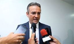 Discreto, novo diretor-geral da PF prega combate à corrupção