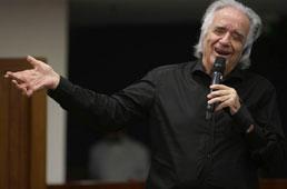 João Carlos Martins faz live para celebrar 80 anos