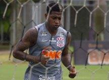 Após fim do empréstimo, Corinthians devolve Yony González ao Benfica