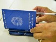 Governo avalia prorrogar programa de corte de salário e jornada